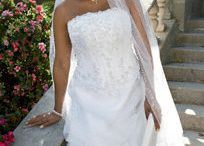 Wedding dress / by Stephanie Haney