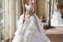 Wedding Dresses / by Stacey Carrick