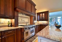 Clear Alder Kitchen Cabinets - Custom / Advanced Cabinets takes pride in offering you a variety of options to make your kitchen practical, functional, and impressive. We also pride ourselves in offering you competitive rates that beat our competition.