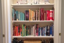 Organizing Books / Creative ways to organize books