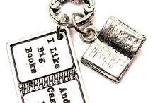 Ajándékötletek könyvszeretőknek / A szeretted odavan a könyvekért és nem tudod mivel lepd meg?! A Libris Illyés segít neked!