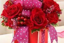 pudelko z kwiatami