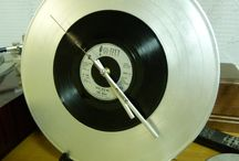 часы из пластинки / авторские часы из виниловых пластинок для подарка или для оформления современного интерьера жилых и не жилых помещений