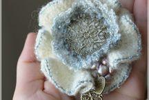 Flor feita de croche