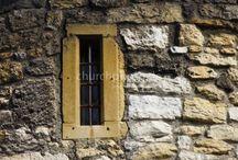 Fenster - Windows / Von drinnen nach draußen. Von der Finsternis ins Licht. Von der Enge in die Weite. From inside to outside. From darkness to light. From the tightness to the distance.