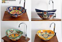 Ovale mexikanische Aufsatzwachbecken / Traumhaftes Aufsatzwaschbecken aus Mexiko MEX7 im Form oval von Mexambiente. Dieses wunderschöne handbemalte Waschbecken wird Ihr Bad oder Ihre Gästetoilette zum Strahlen bringen.