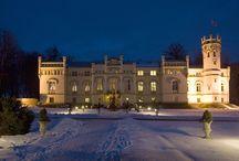 Paszkówka - Pałac / Pałac w Paszkówce wzniesiony w XIX wieku przez rodzinę Wężyków. obecnie mieści się tu luksusowy hotel.