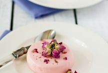 ...a little bit of flower... / • So pretty flower desserts... how hard is it to resist ? •