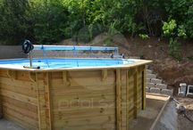 Fa medencék / Sokszögű fa medencék kör és ovális modellek.  Teljes mértékben természetes anyagokból készült, csapolt szerkezetű fa medence, akasztóprofilos belső fóliával, homokszűrős vízforgatóval és eltávolítható fa lépcsővel.