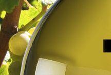 Bodega Gorka Izagirre / En Gorka Izagirre sabemos que lo único imprescindible para lograr un Txakoli de alta calidad es trabajar con uvas excelentes, y tratar estas en bodega con el mismo mimo que les hemos dedicado en el viñedo. Por ello, concebimos la bodega como una herramienta más al servicio de la uva. Esta equipada con los más modernos avances en tecnología enológica que nos permitan revelar todo su potencial a la vez que preservamos sus rasgos de identidad.