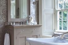 Bathrooms / by Leah Humphries
