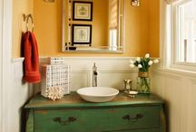 Green bathroom  / by Suni Baker-Walbrecht