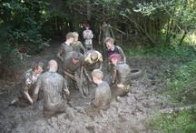 Survivalkampen Ardennen / Elke zomervakantie organiseren we weer unieke survivalkampen voor jongeren tussen de 12 en 15 jaar oud in de Belgische Ardennen. Een selectie van onze foto's!