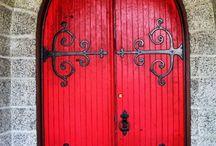 Shut the front door! / by Betty Avant