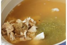 Soups/Chilis/Stews / by Kelly Schulte