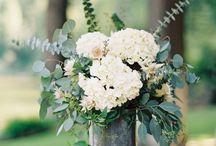 decor: vase arrangement