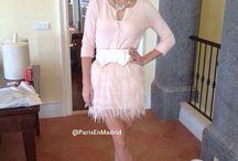 falda de plumas rosa