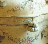 Italian Painted Furniture / DECORATIVE PAINTED FURNITUE