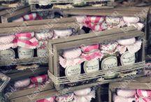 Empaques pompones y flores