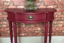 Chalk Paint® in Burgundy / A rich deep warm red the color of dark cherries. Most of my colours are 18th and 20th century inspired but this one comes from the 19th century when the discovery of Alizarin Crimson made this colour possible for the first time to a large number of people. It is now one of the classic colors used in particular for neo-classical painted furniture.