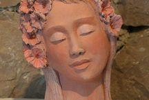 keramika relief, busta