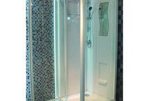 Cabine de douche / Achat en ligne de cabines de douche pour votre salle de bain ou salle d'eau avec installation dans Paris et toute la France par un plombier expert. #cabine #douche #salledebain #plomberie #plombier #Paris #France #TiliPack