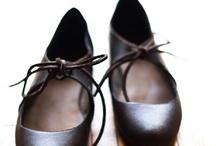 heel shoe with sprocket