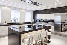 Kitchen / ...