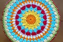 Mandalas / Crochet / by Regina Azevedo