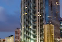 ARCHITECT / Jade Brickell Residencesis a 48-story luxury high-rise building on Biscayne Bay. This residential masterpiece counts with a very striking architecture by world-renowned Revuelta Vega Leon Architects who created eight different tower floor plans and multiple luxury choices.