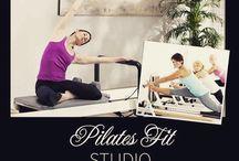 PilatesFIT Studio / Noi suntem PilatesFIT,un studio modern si profesional si oferim lectii de Pilates,Yoga si Masaj sustinute de instructori certificati international.Sedintele de Pilates pot fi efectuate la aparatul Reformer Allegro in privat,semi privat cat si la saltea in grup.