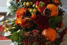 Fall Flower Arrangements / Ideas for Thanksgiving Centerpieces and Fall Arrangements / by Ria Lanzetta DiMartino