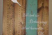 Wände aus wiederverwertetem Holz