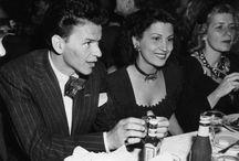 Franck Sinatra  (1915-1998) / Quatre mariages et trois divorces : Nancy Barbato (de 1939 à 1951) Ava Gardner (de 1951 à 1957) Mia Farrow (de 1966 à 1968) Barbara Marx (de 1976 à 1998) Trois enfants : Nancy, Franck Jr et Tina (de son union avec Nancy Barbato)
