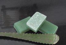 Jabones / Jabones realizados desde base de glicerina aportándoles propiedades y aromas.