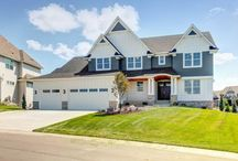 2017 Fall Parade of Homes / We've just put the final touches on two of our newest custom homes in Excelsior and Plymouth for this year's Fall Parade of Homes! Come tour each home during the 2017 Fall Parade of Homes to see all the amenities and craftsmanship that have become synonymous with a Creek Hill custom home!