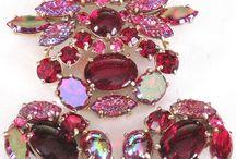 schiaparelli / vintage beautiful jewellery