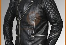 Marlon Brando Black Jacket / The motorcycle jacket can seem like a difficult item for most guys to pull off, but that's only because the market has been flooded with such disingenuous versions that any guy is going to look like a rube instead of a rider. This top classic Brando biker Leather jacket made famous by Marlon Brando. The Wild One is a veritable movie for the kind of iconic motorcycle style that still endures today, emphasizing truly authentic pieces for truly authentic style.