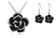 Necklace Jewelry / Necklace Jewelry : Follow Me! / by Jewelry Galore