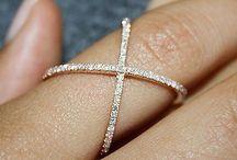 украшения, кольца…