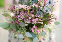 whimsical wedding inspiration / Whimsical, flowing and a little bit fanciful floral designs