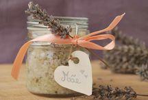 Presente DIY para Dia da Mãe: Exfoliante Natural de Lavanda para Corpo / Prepara tu própria um presente lindo para a tua mãe: um Exfoliante Natural de Lavanda para Corpo. Pode ser feito com ingredientes que tens na cozinha.