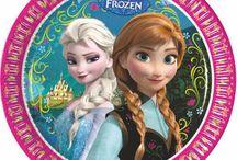 Frozen - Festa a Tema / Tanti addobbi ed accessori per organizzare una festa di compleanno a tema Frozen!  Articoli usa e getta in carta e plastica, piatti, bicchieri, tovaglioli e tovaglie, festoni, e tanti altri allestimenti coordinati! Sarà un successo la festa di compleanno Frozen della tua bambina!  Su Europarty.it acquisti online in tutta sicurezza su circuiti PayPal e Visa.