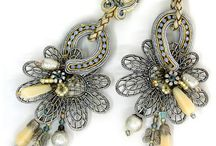 Jewelry - Earrings / by Leonie Fowler