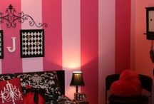 Bedrooms / by Paulina Grace