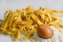Pasta fresca. Fresh homemade. / Come fare la pasta fatta in casa. How to make homemade pasta .