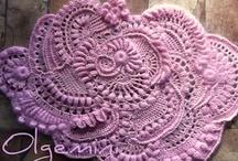 Crochet Cool Stuff / by Carol (ramblingoftherose.wordpress.com)