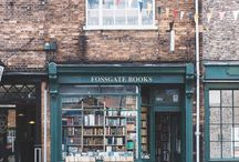 Bookshops of the World / A collection of beautiful bookshops and bookstores from around the world