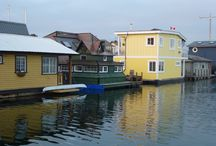 Floathouses / Floating homes of all types and ages.
