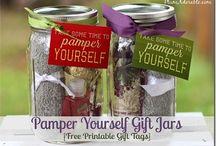 Gift Ideas / by Jennifer Vlasak